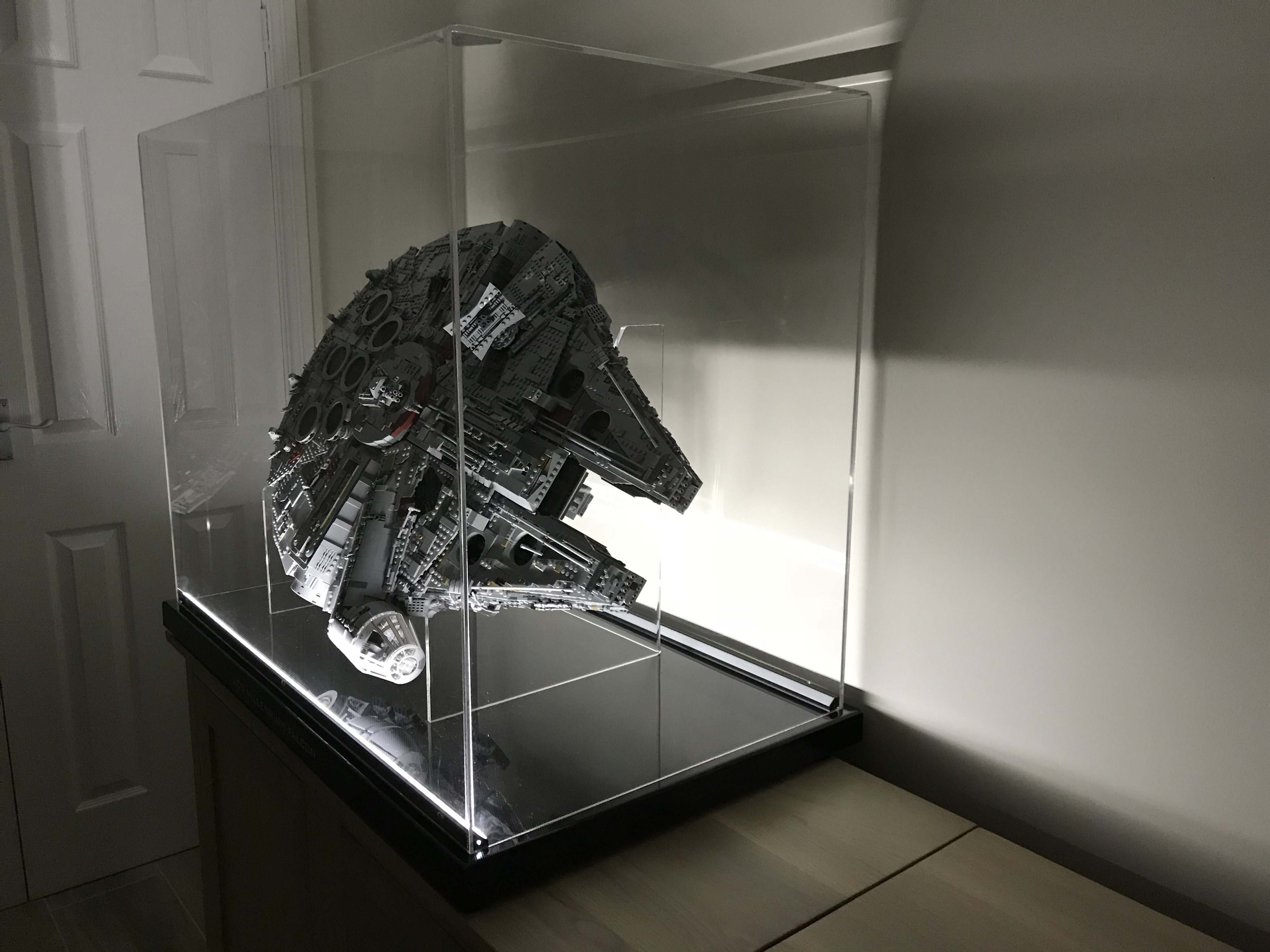 75192 Ucs Millennium Falcon Display Ideas Stands