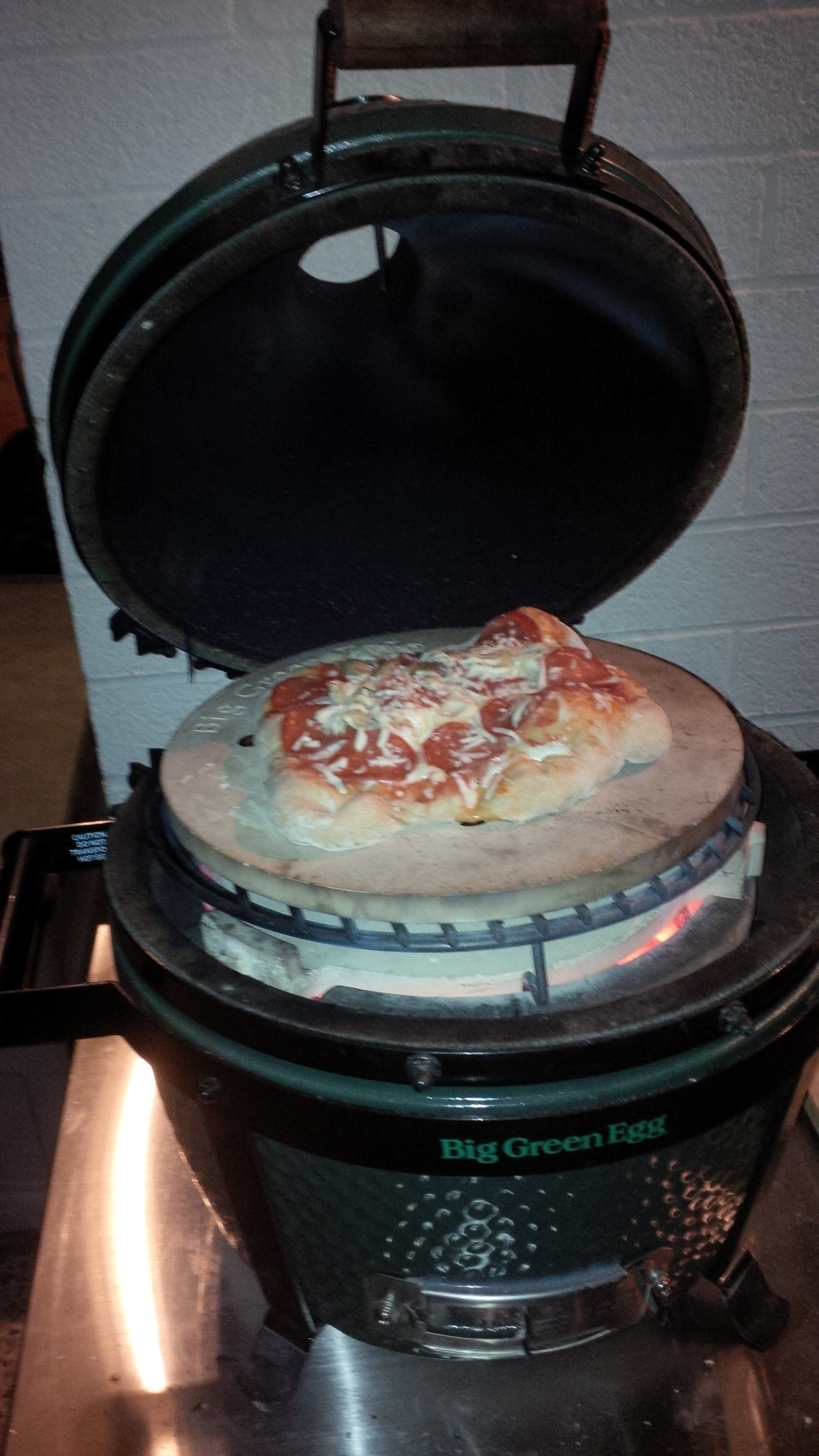 MiniMax Pizza Cook: Success! — Big Green Egg - EGGhead Forum