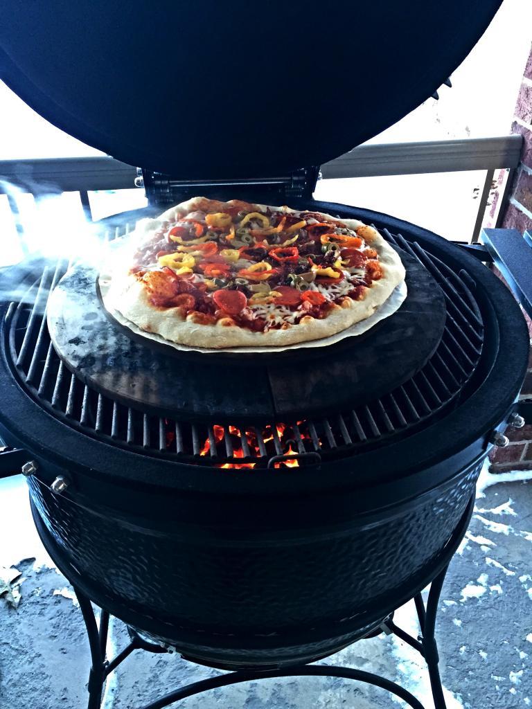 Pizza Burnt Crust Help Big Green Egg Egghead