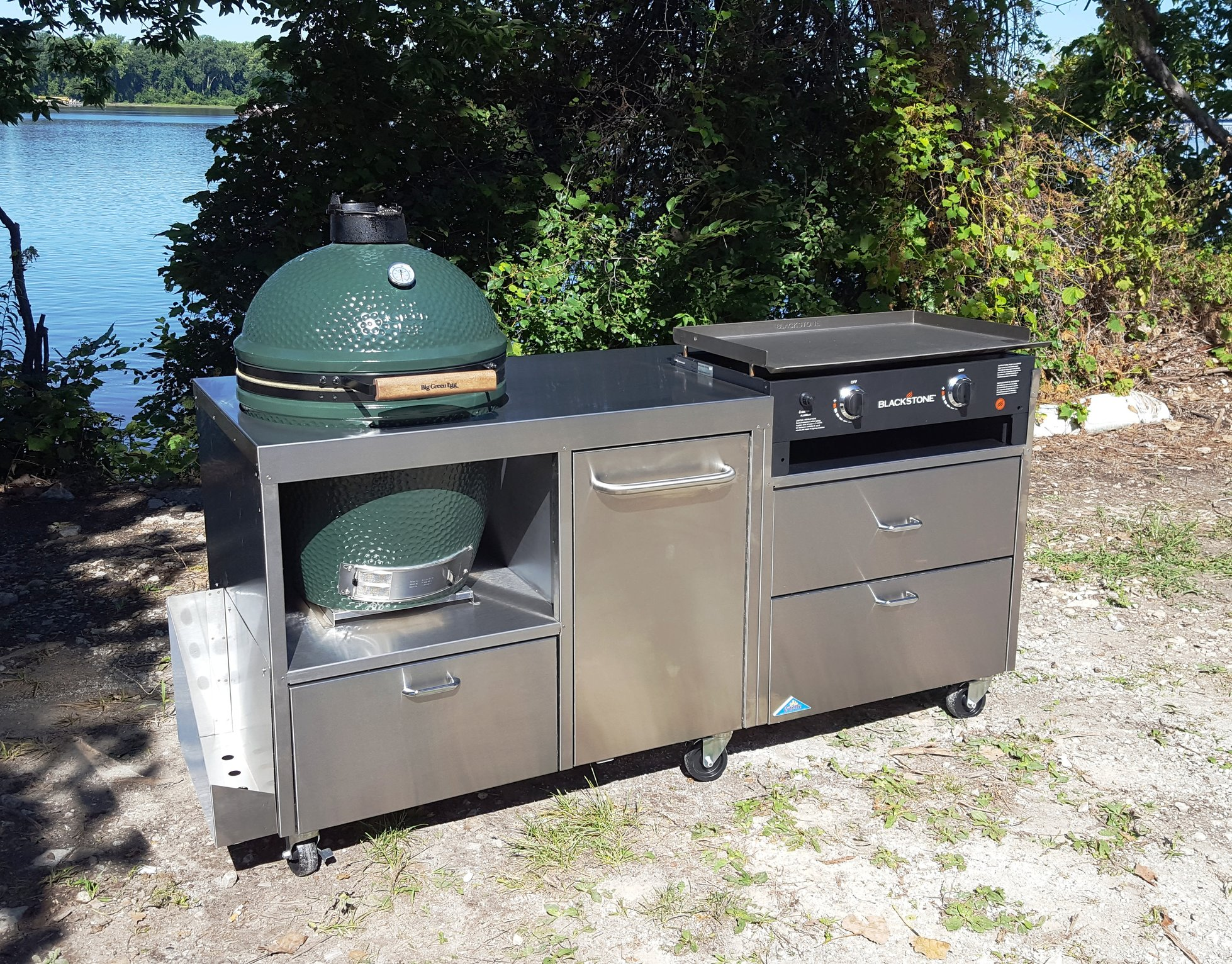 Table with blackstone griddle built in big green egg for Blackstone griddle