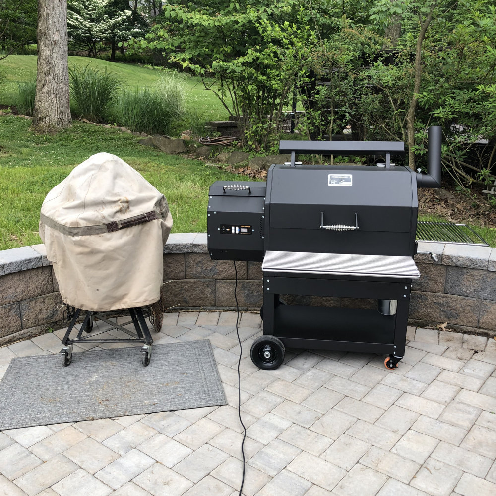 I bought my egg a friend: A Yoder pellet smoker — Big Green