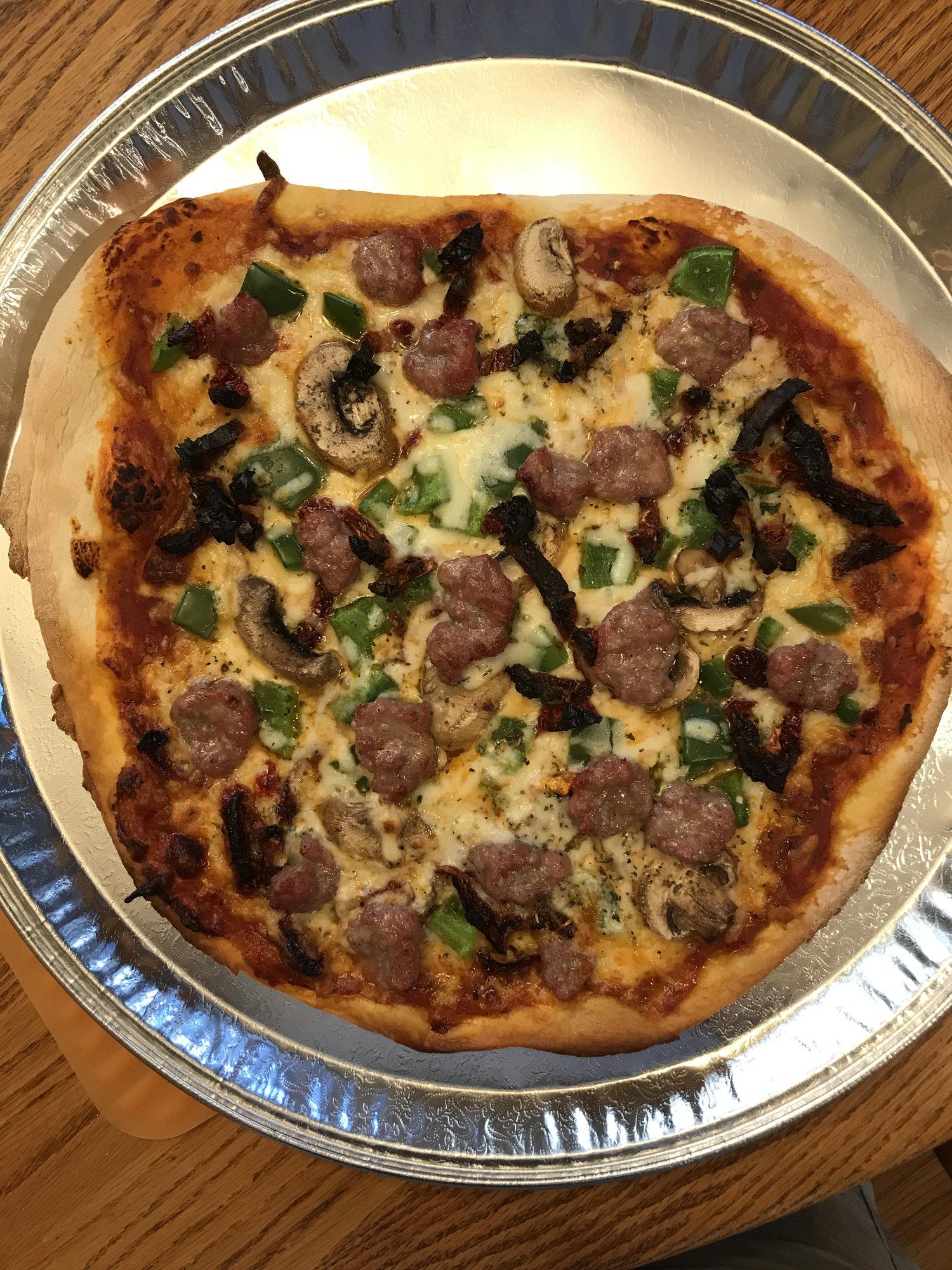 My Best Pizza So Far Big Green Egg Egghead Forum The