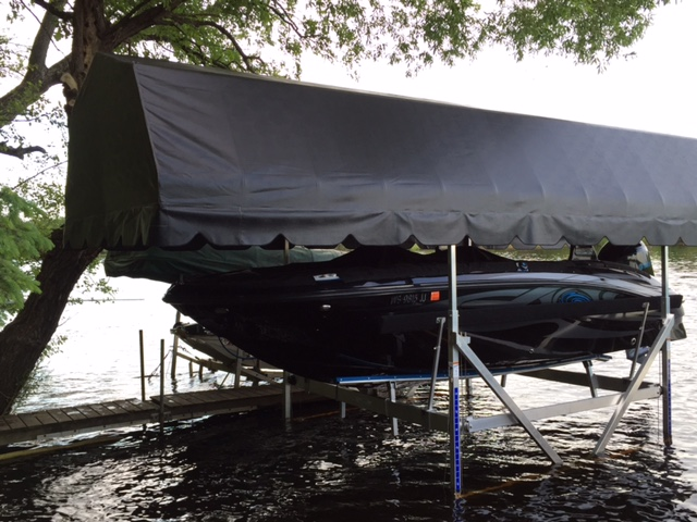 Boat Lift For Sundeck Sport 188 With Yamaha 150 Ob