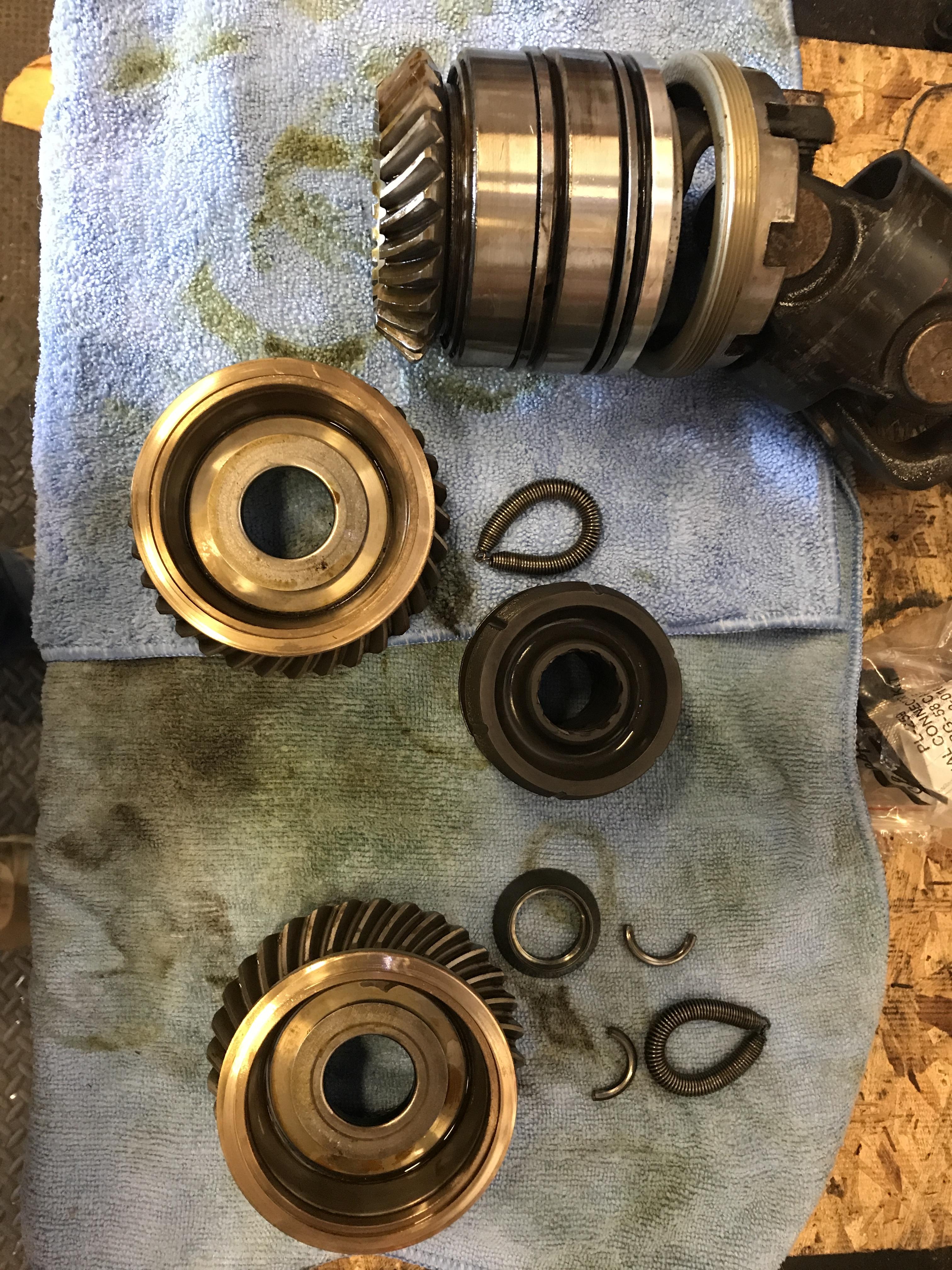 Seal inside top of drive unit behind swivel shaft? — Rinker Boat Company