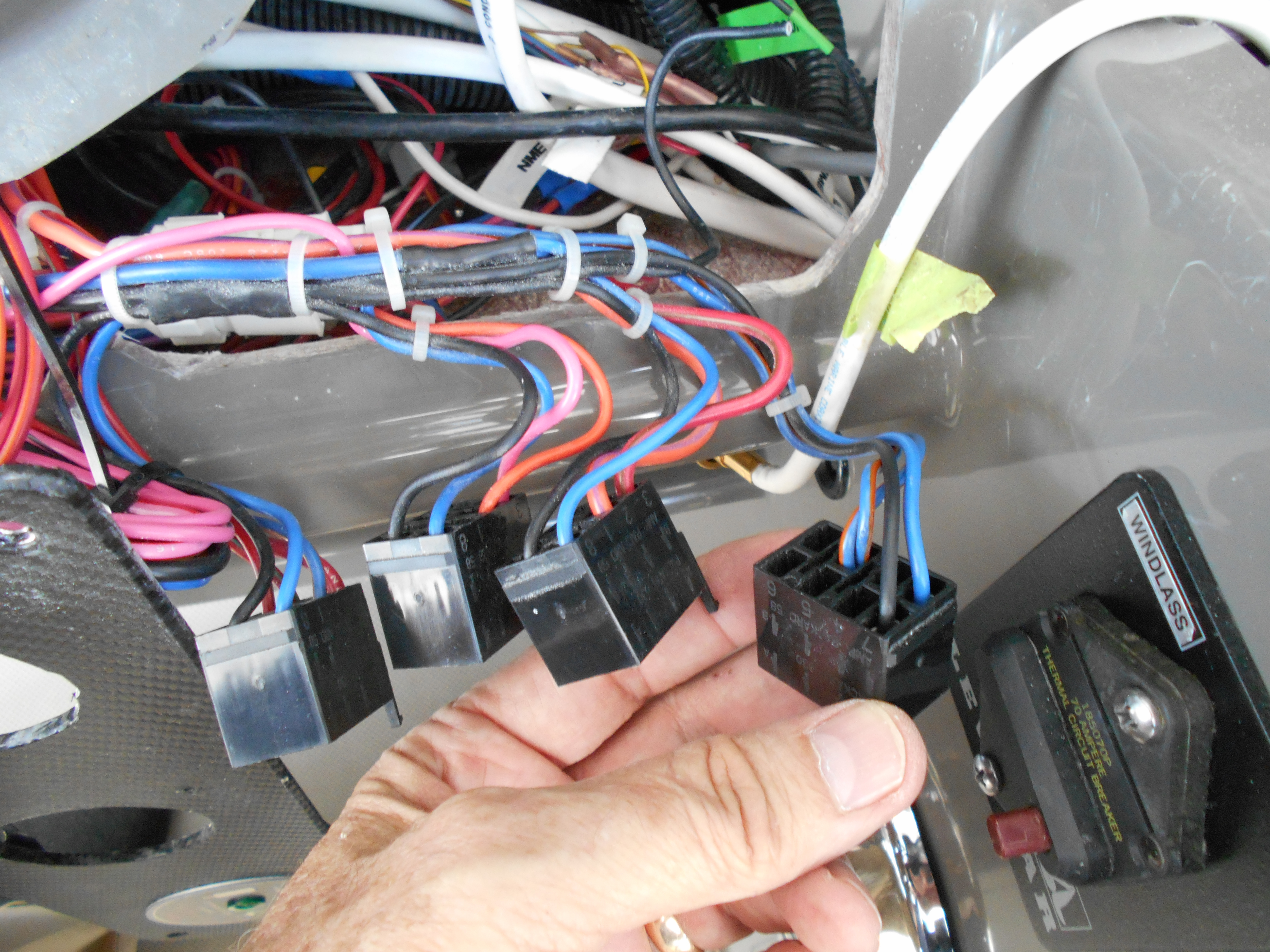 Wiring Fish Finder To Switch Trusted Diagram Questions Page 1 Iboats Boating Forums 514442 Dash Accessory Switches Rinker 360 Boats Boat Battery I Have Radar A Mfd