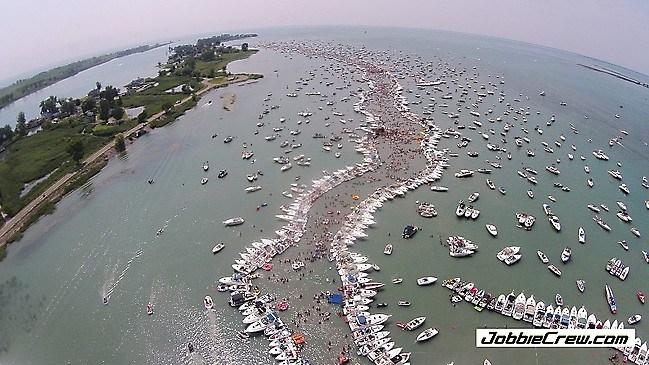 Raft 2017 скачать торрент