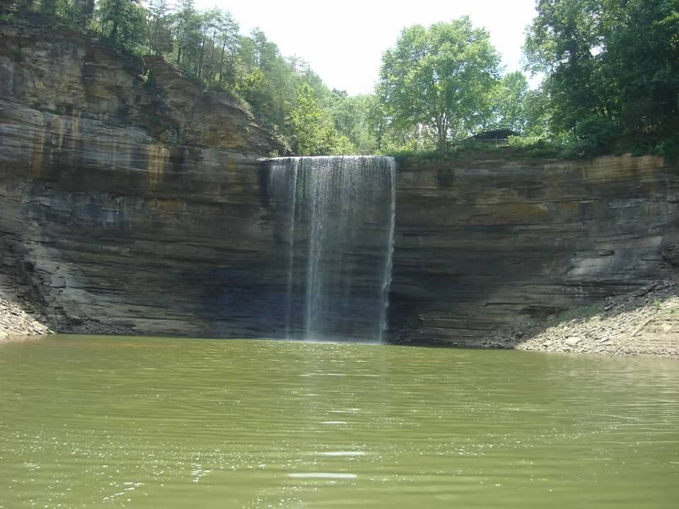 As the lake dries up at 76 Falls | 76 Falls of Lake