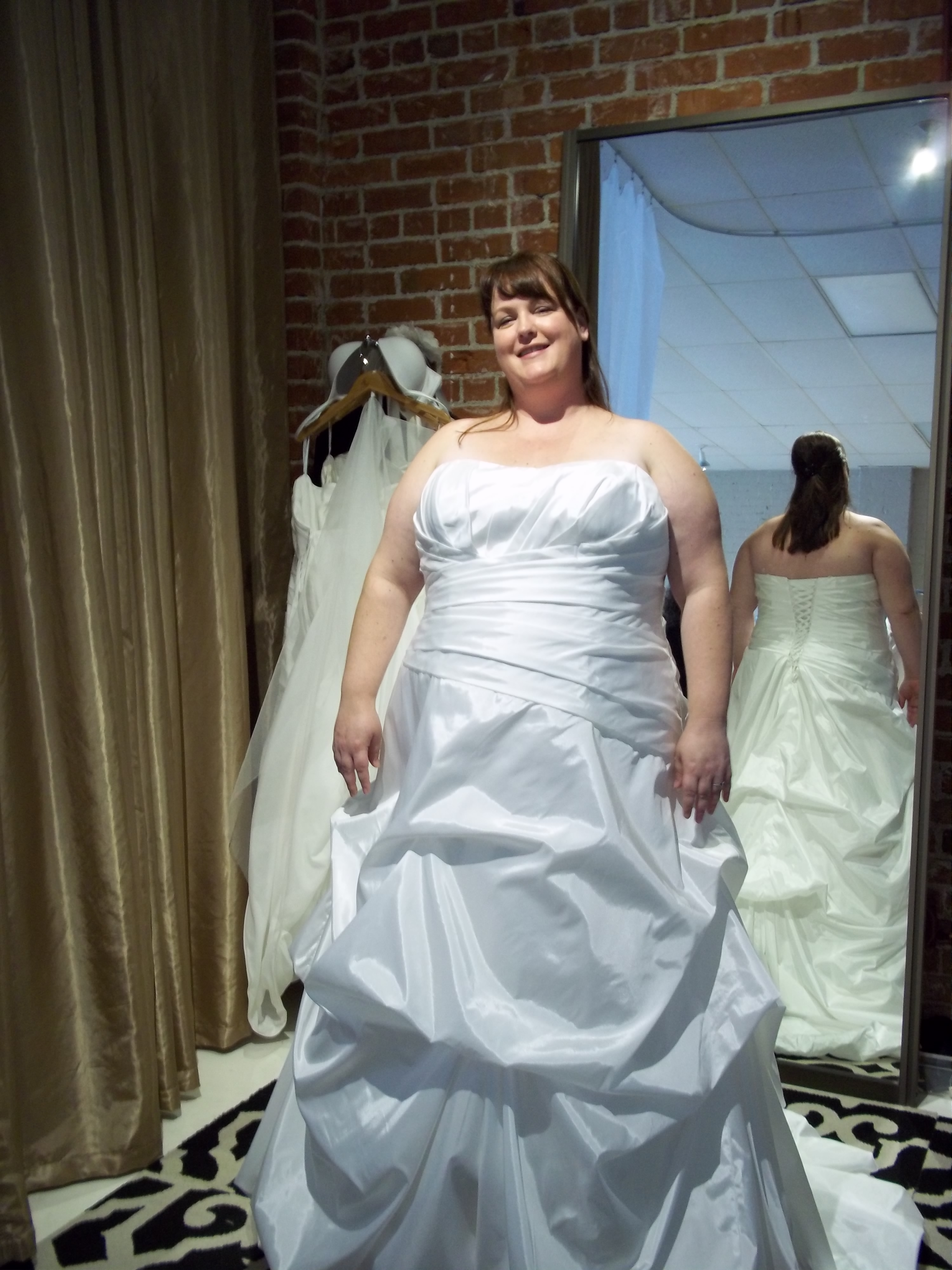 Show us your plus size wedding gown! - Page 2 — The Knot