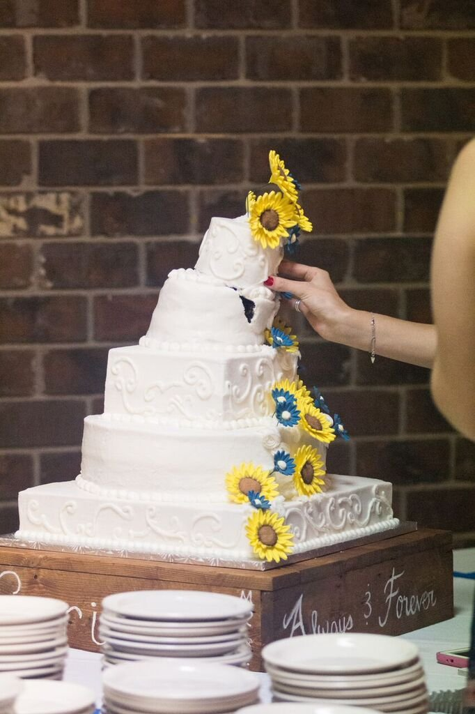 Wedding Cake Disaster The Knot