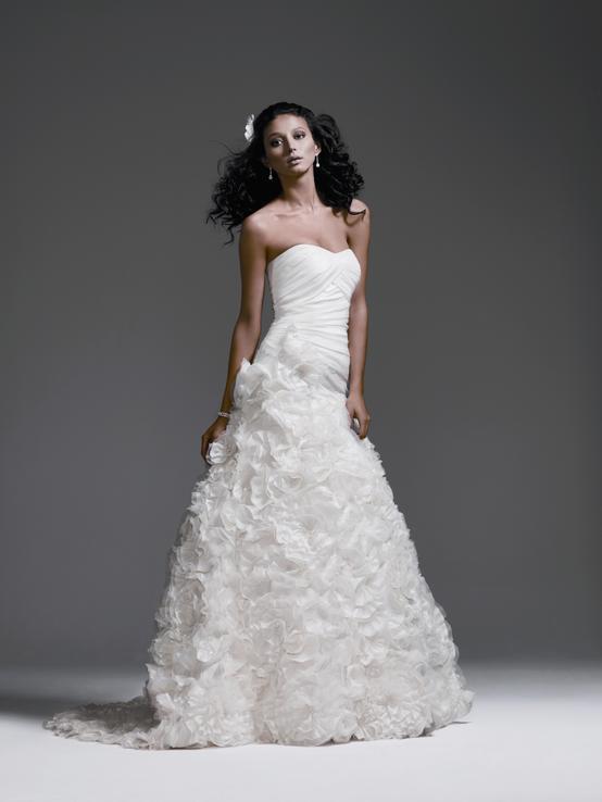 Brand new wedding dress for sale galina signature size 6 700 davidsbridalgalinasignaturesv415weddingdresses42742view1g 253k junglespirit Image collections