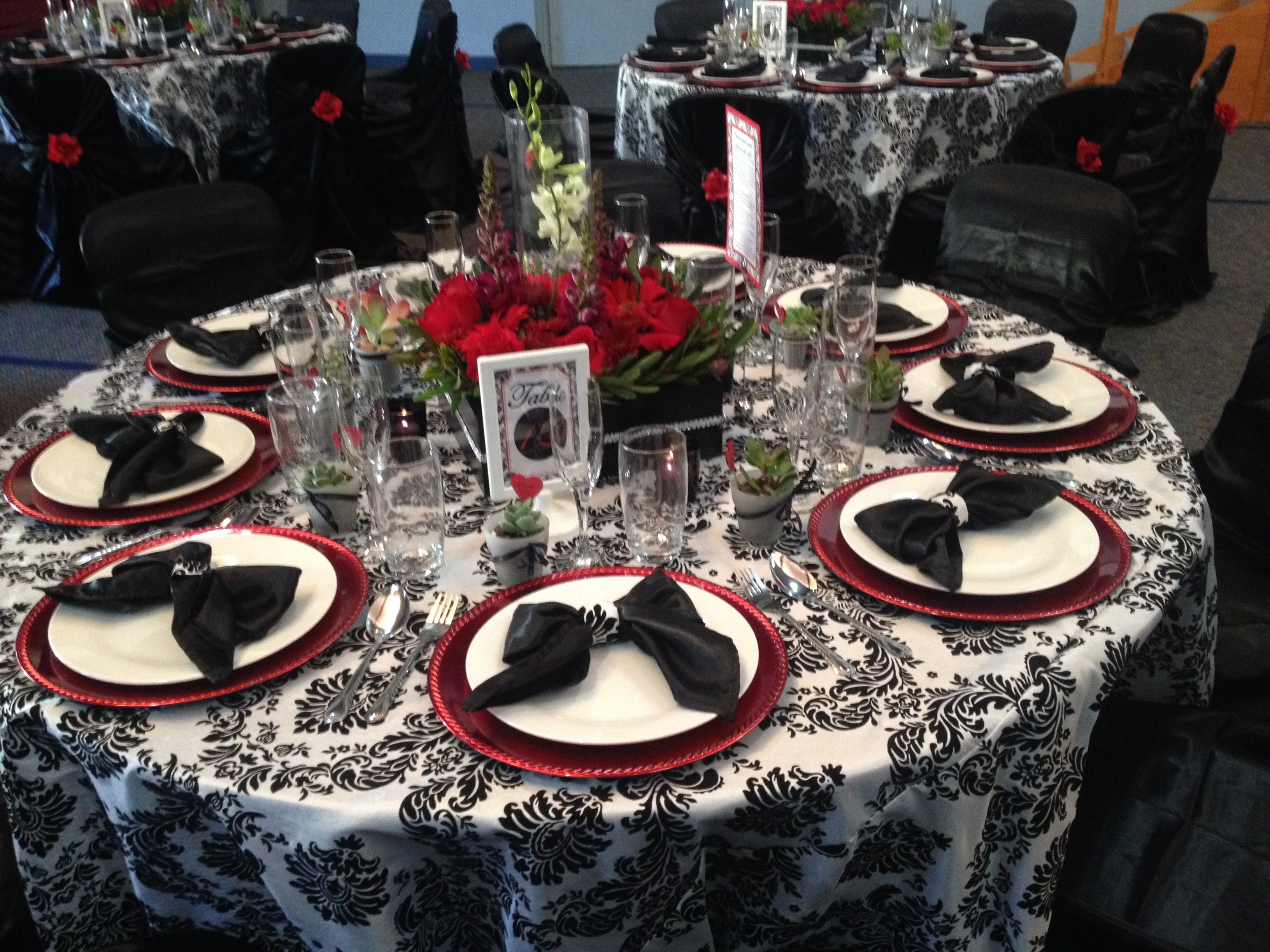 Damask Black And White Decor Tablecloths Candles