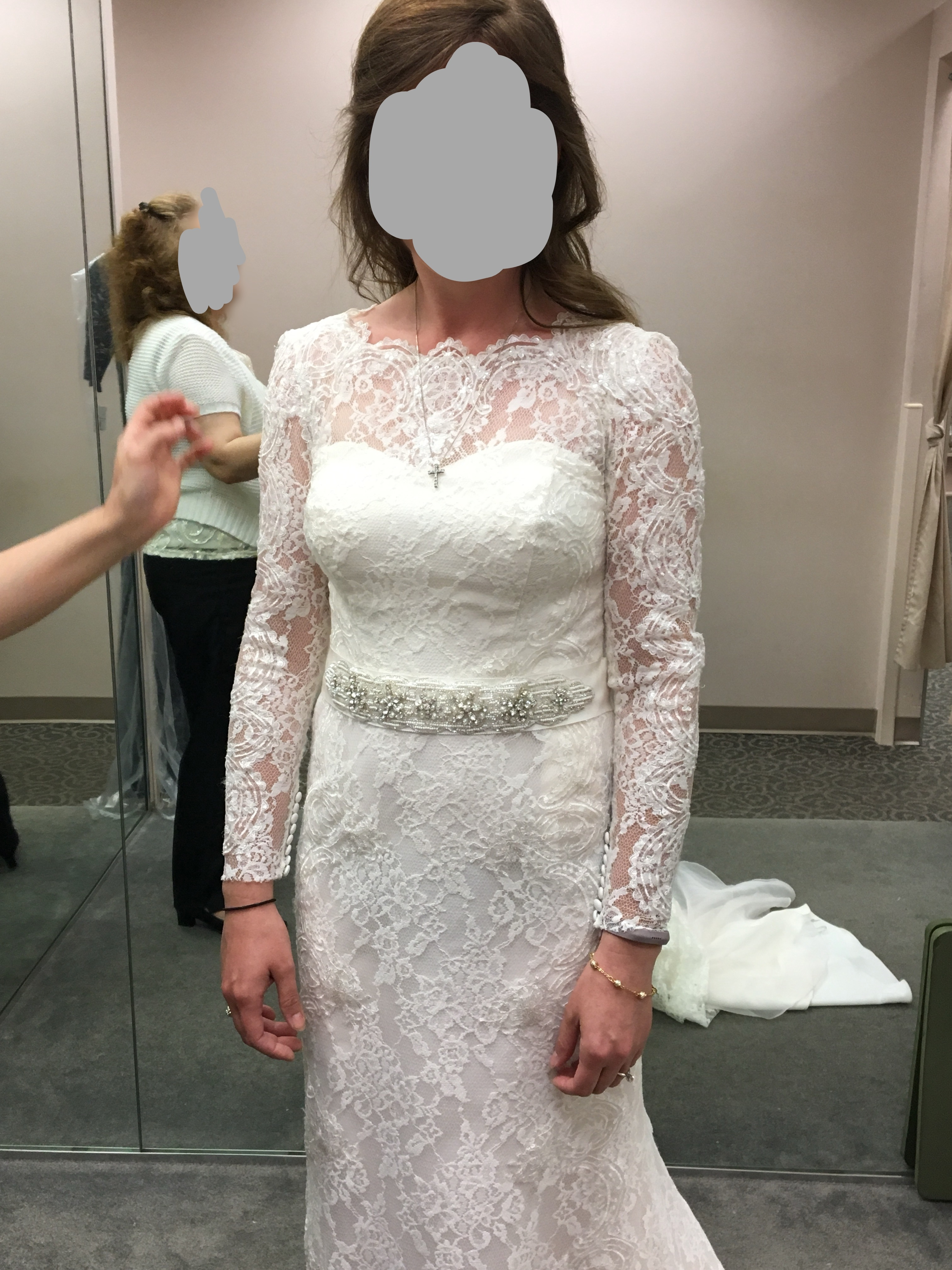 Should I Remove The Sleeves From My Wedding Gown The Knot Community