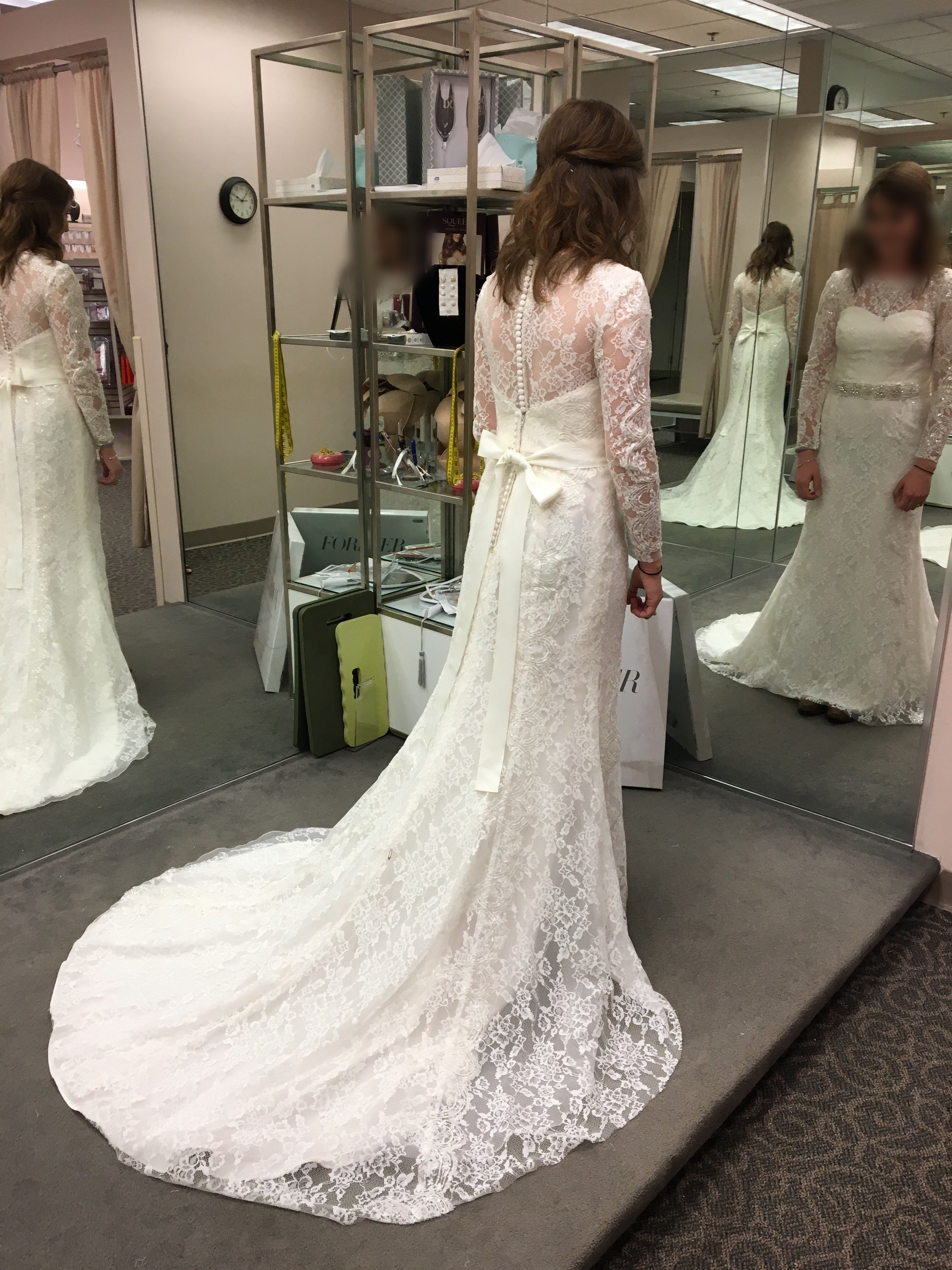 Should I remove the sleeves from my wedding gown? — The Knot