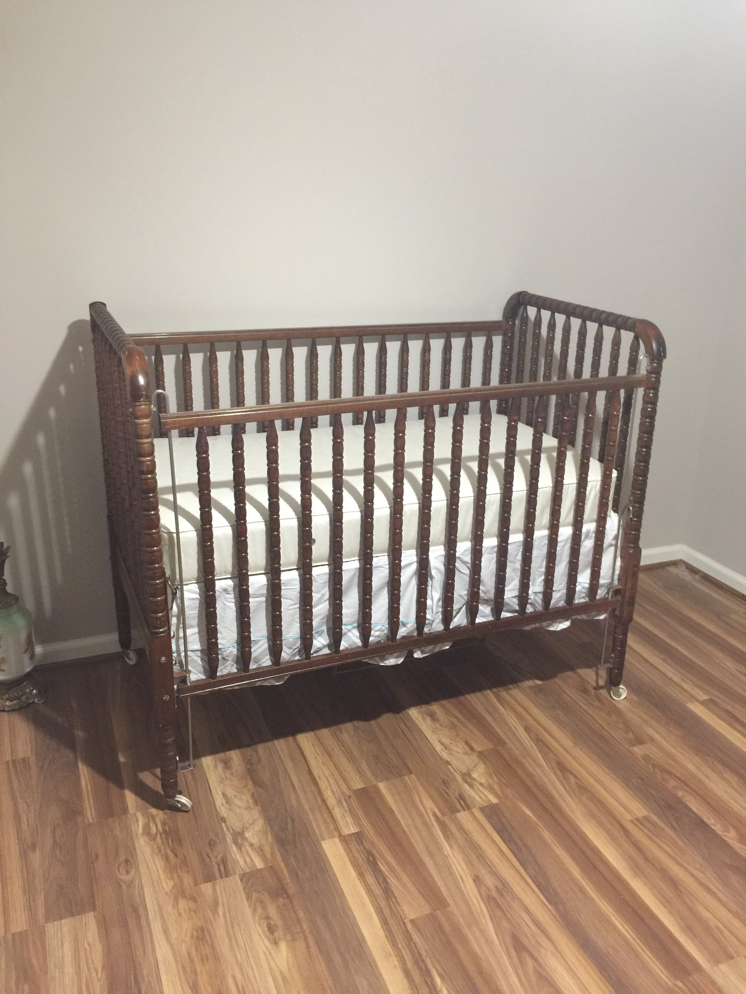 how to put a crib together without instructions