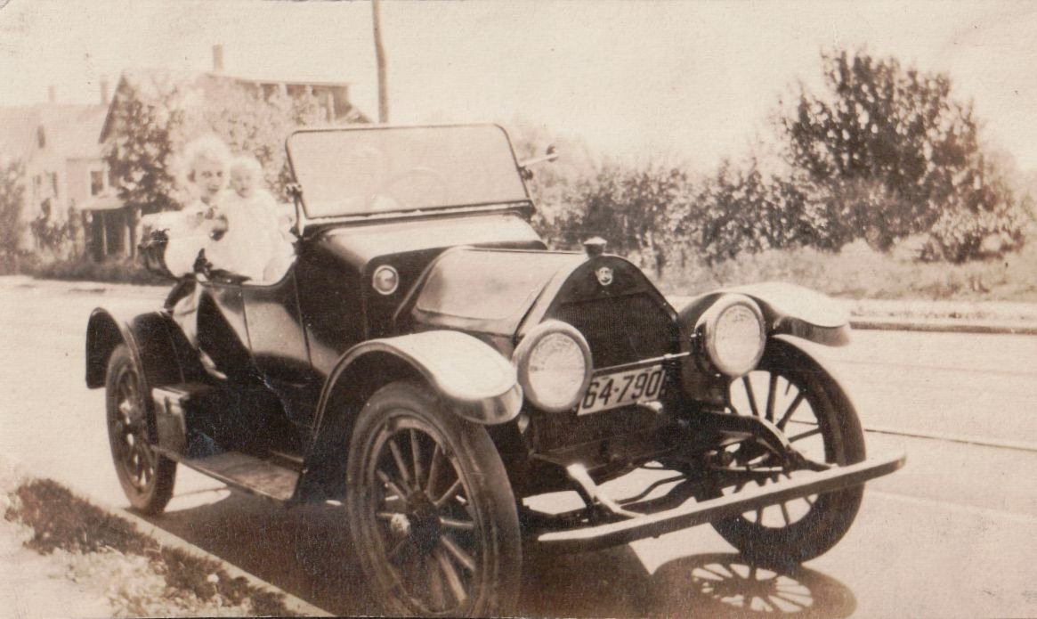 Need help identifying this vintage car — Car Forums at Edmunds.com