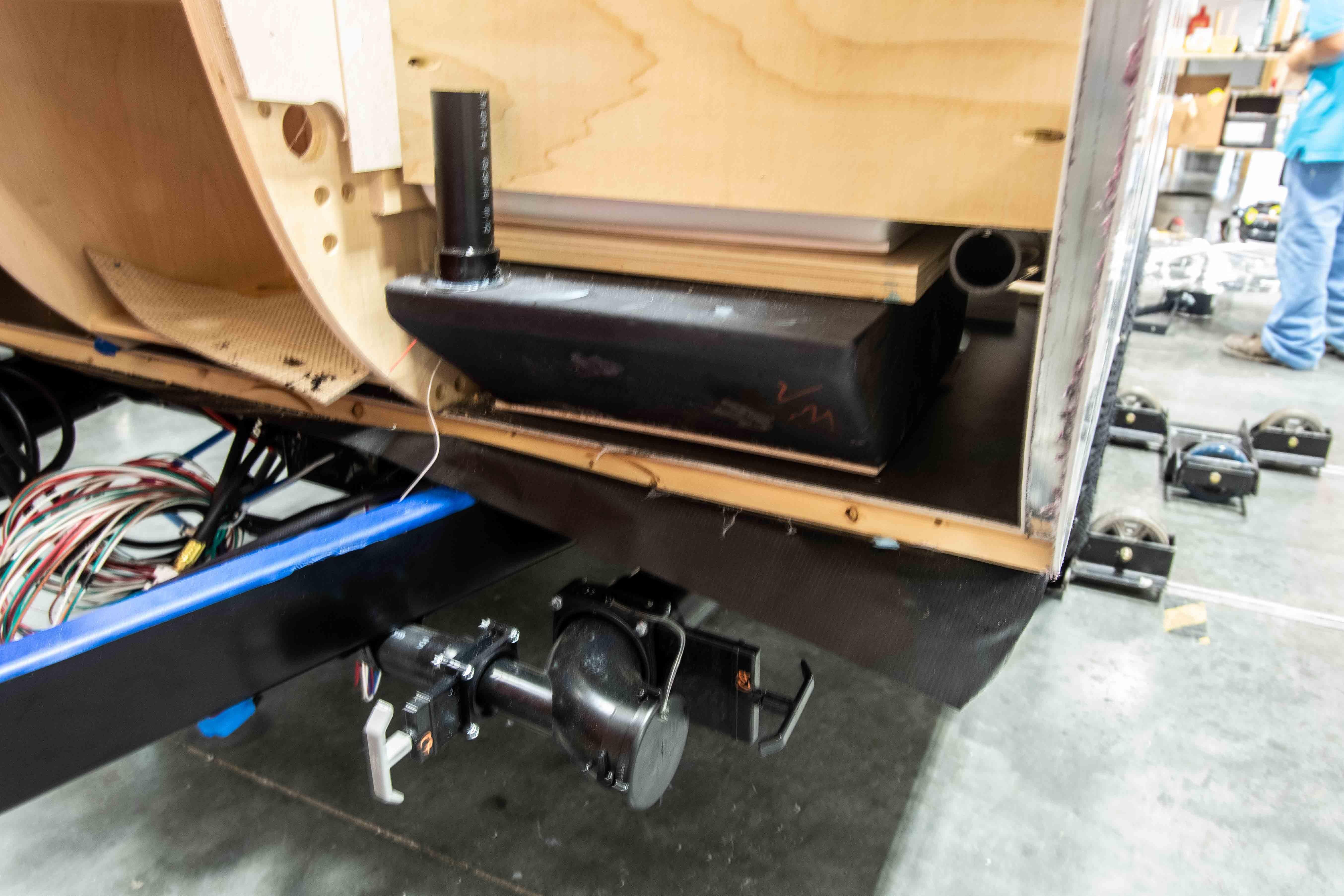 Photos de T@B 320 d'usine montrant les emplacements des objets avant qu'ils ne soient cachés dans les murs 3f7453ztmuwc