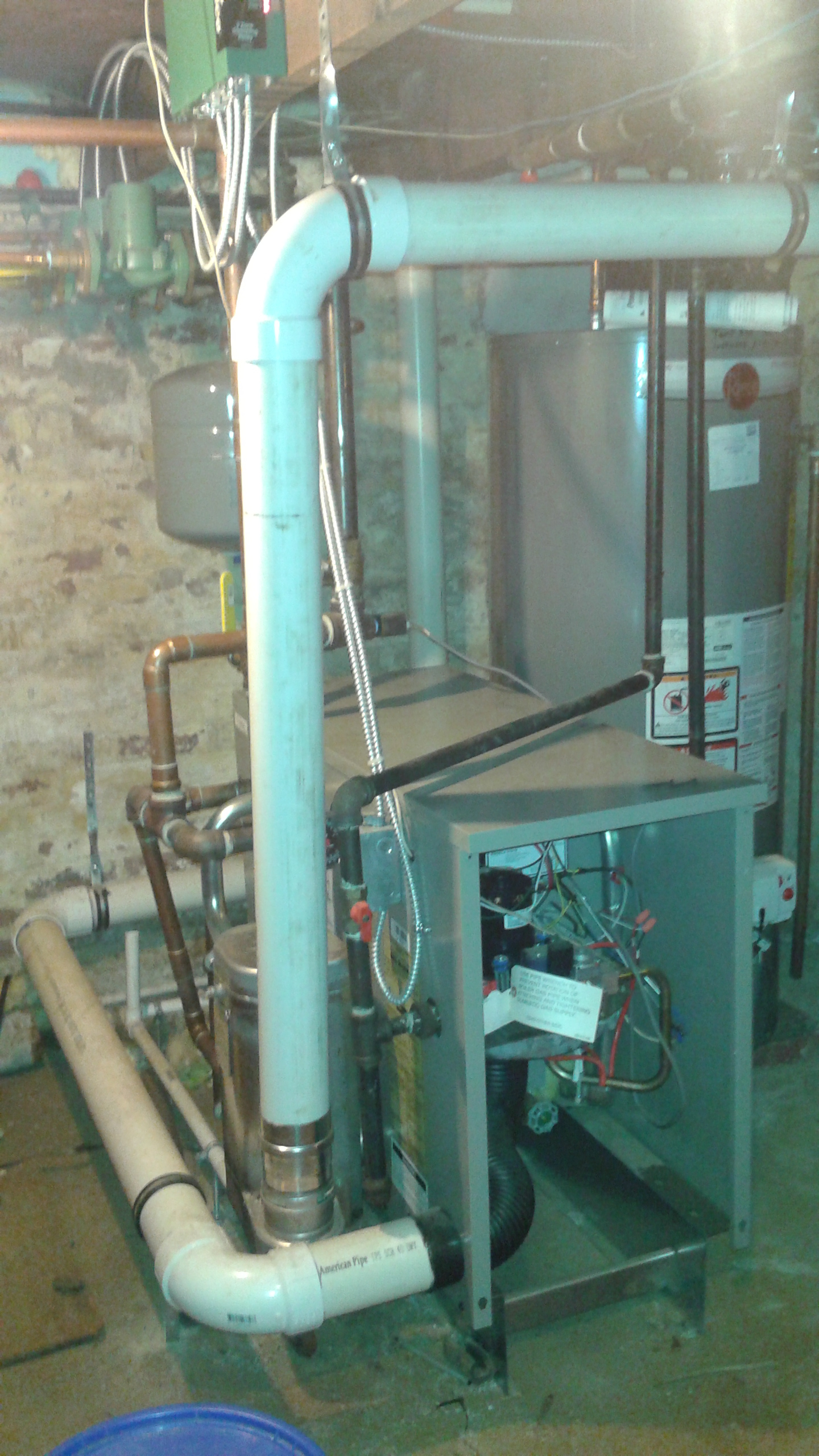Weil McLain GV90+ Gas Boiler 140K BTU\'s- 3 years young - Temp is ...