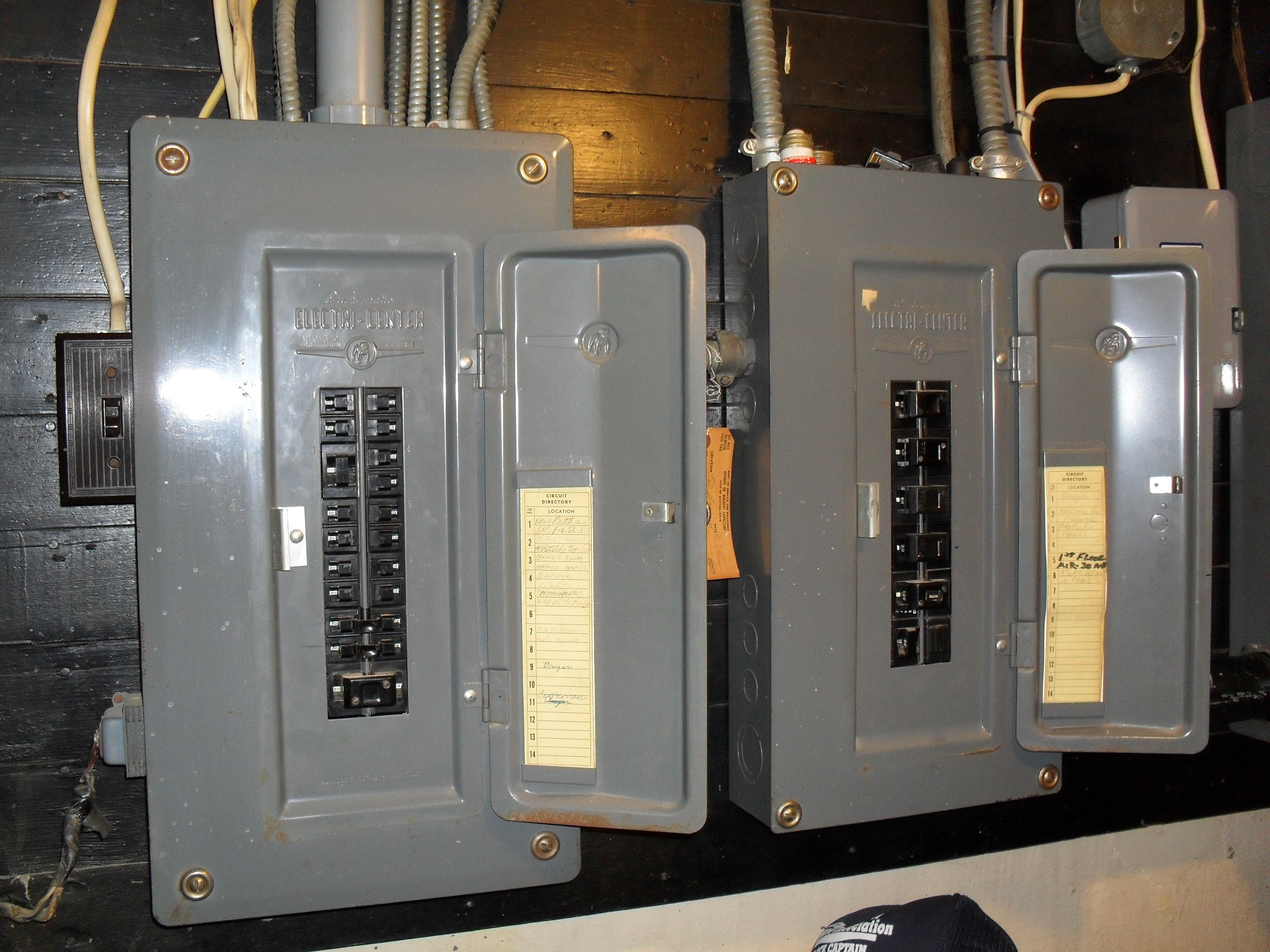 Wiring Fox Paw Heating Help The Wall Buss Fuse Box 1960s One On First Floor And Second Third Is Feed Off Of Panel Its 200 Amp Service