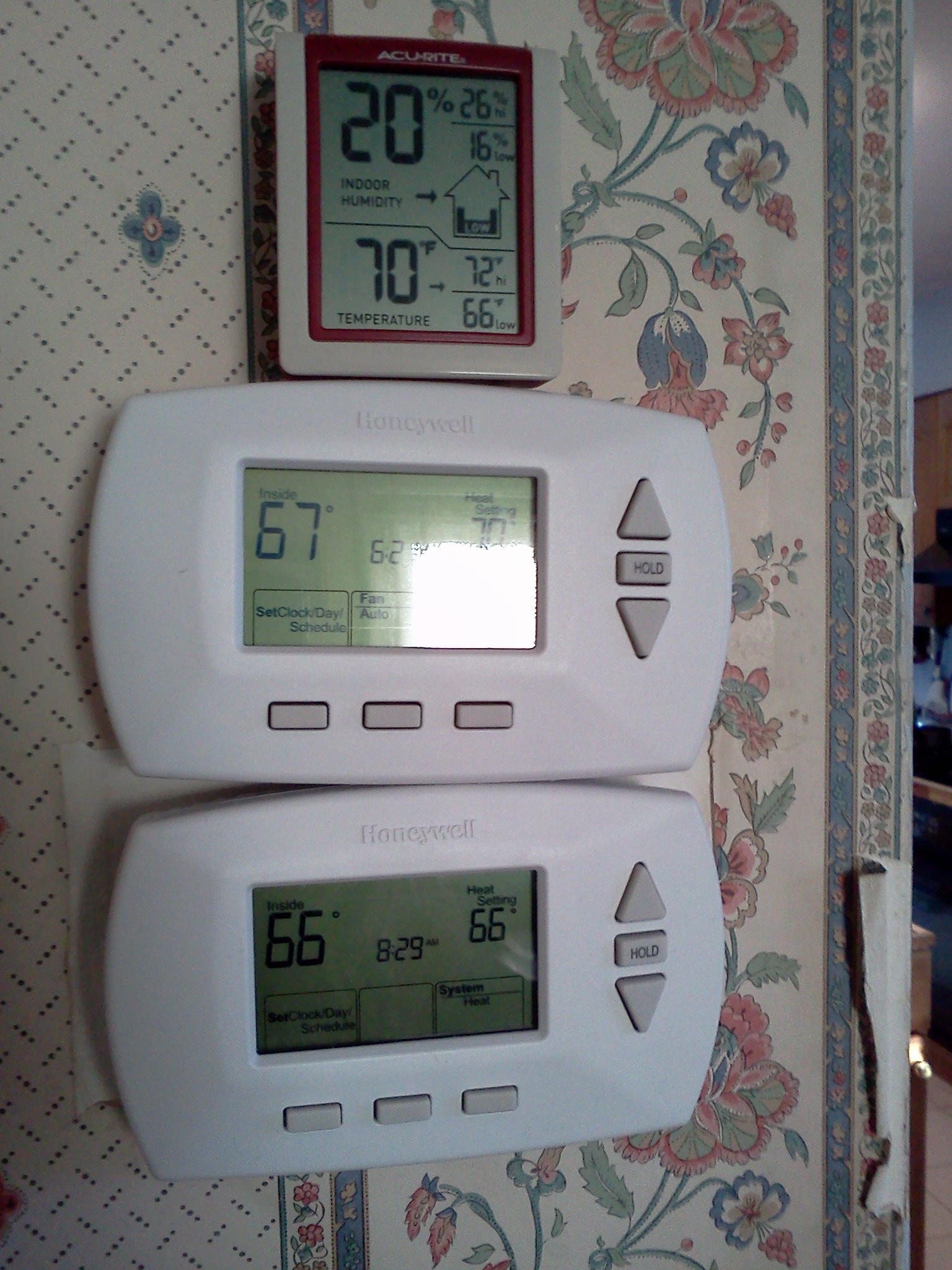 Mnl 1641 Manual For A Rth 6350 Honeywell 2019 Ebook Library Rth6350d Wiring Diagram Thermostat Accuracy Heating Help The Wall Img1131 0b Rth3100c1002