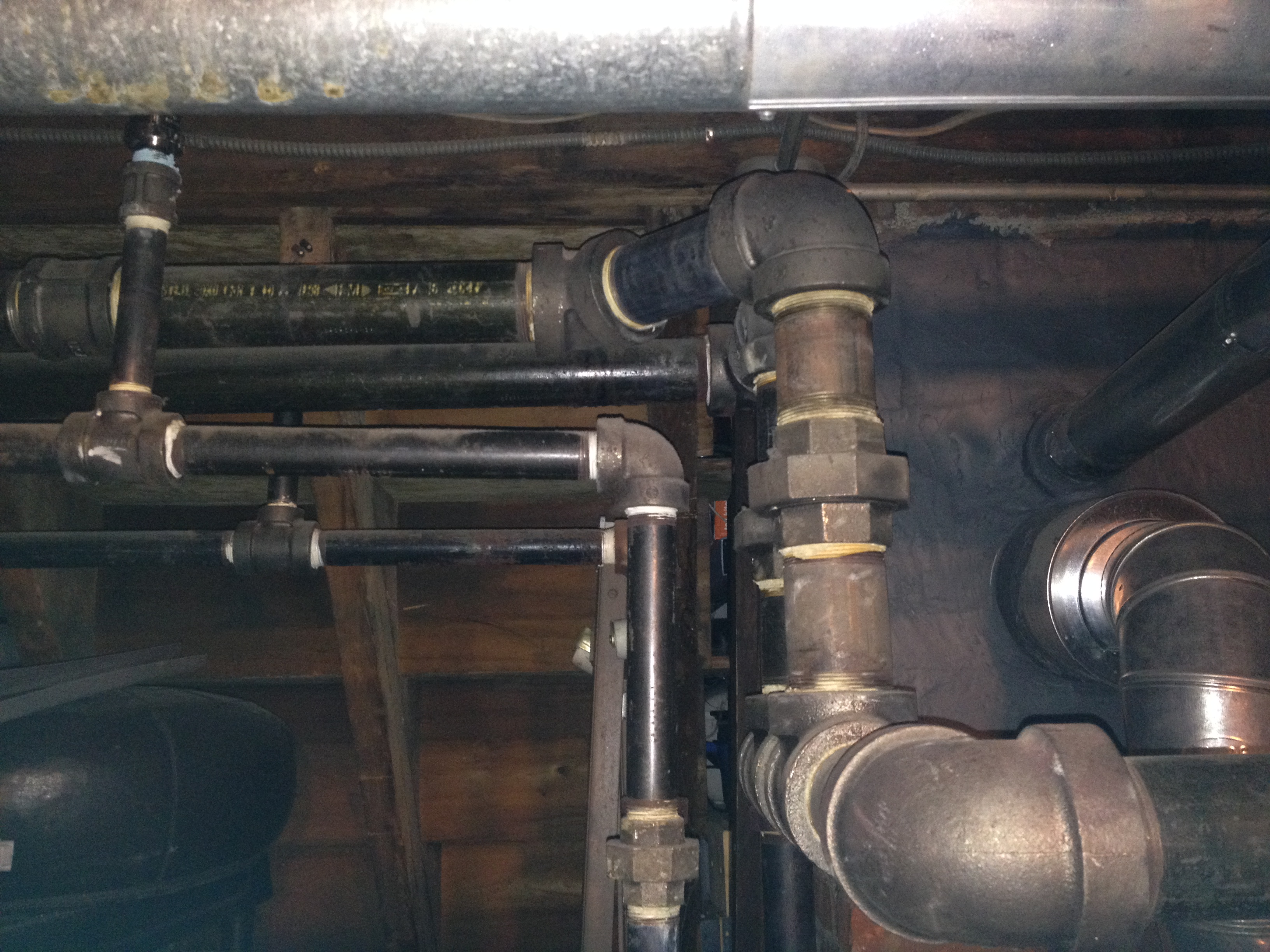 Steam Leak From Pipe : Air vent leaking on pipe steam radiator — heating help