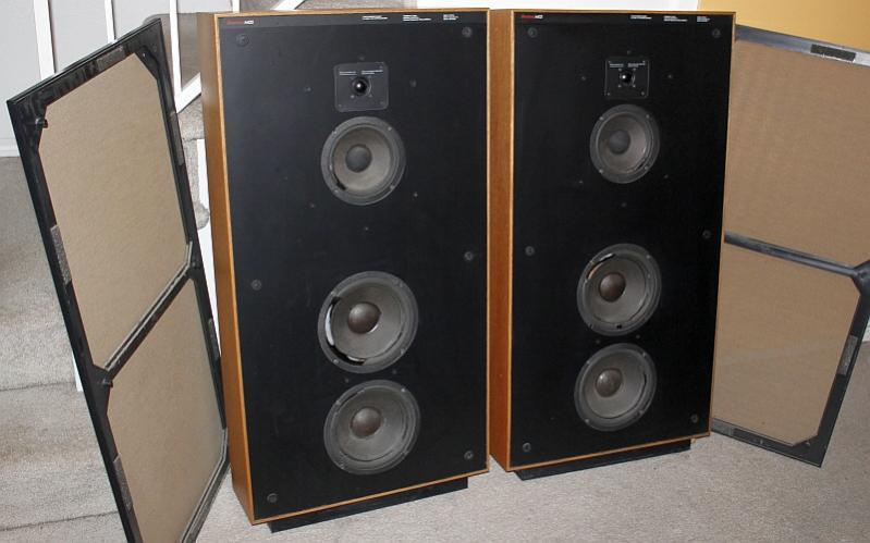Boston A400 Speakers Foam Rot.jpg