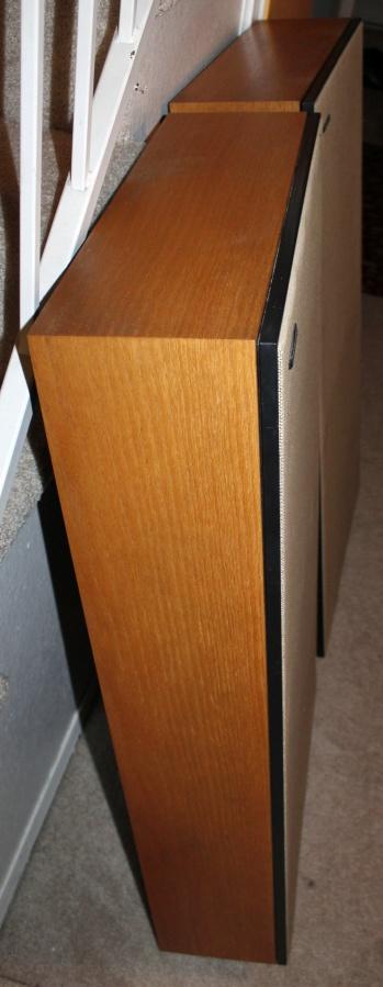 Boston A400 Speakers (2)-side.JPG