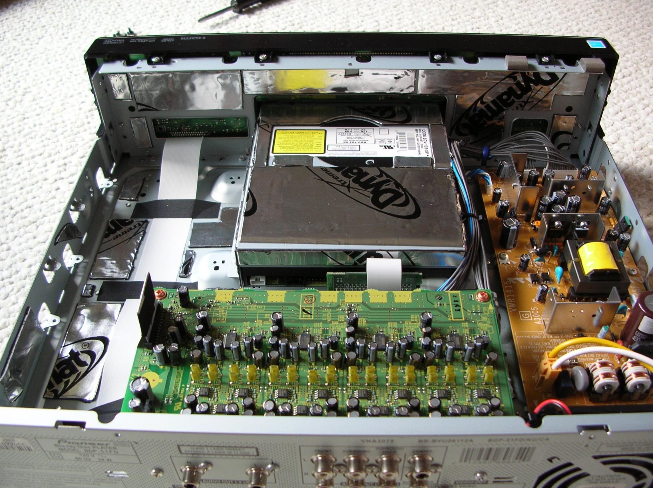 Dynamat (tratamiento acústico de nuestras electrónicas) 84158