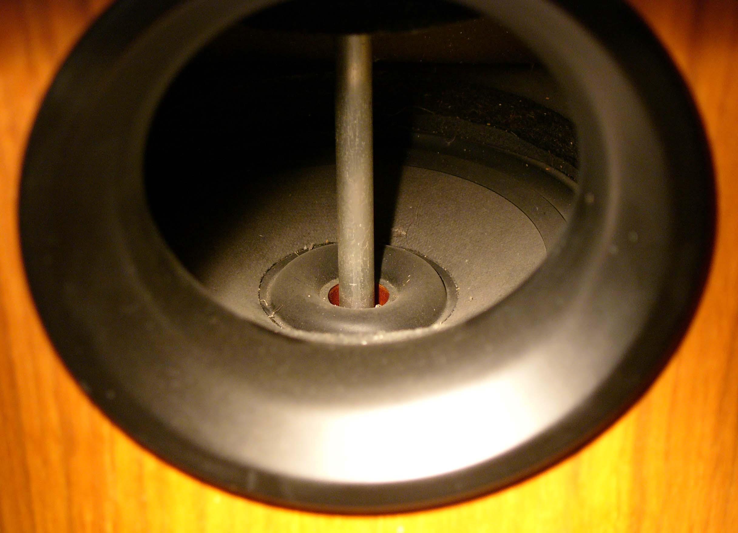 Local Polkies: Help with refoam? — Polk Audio