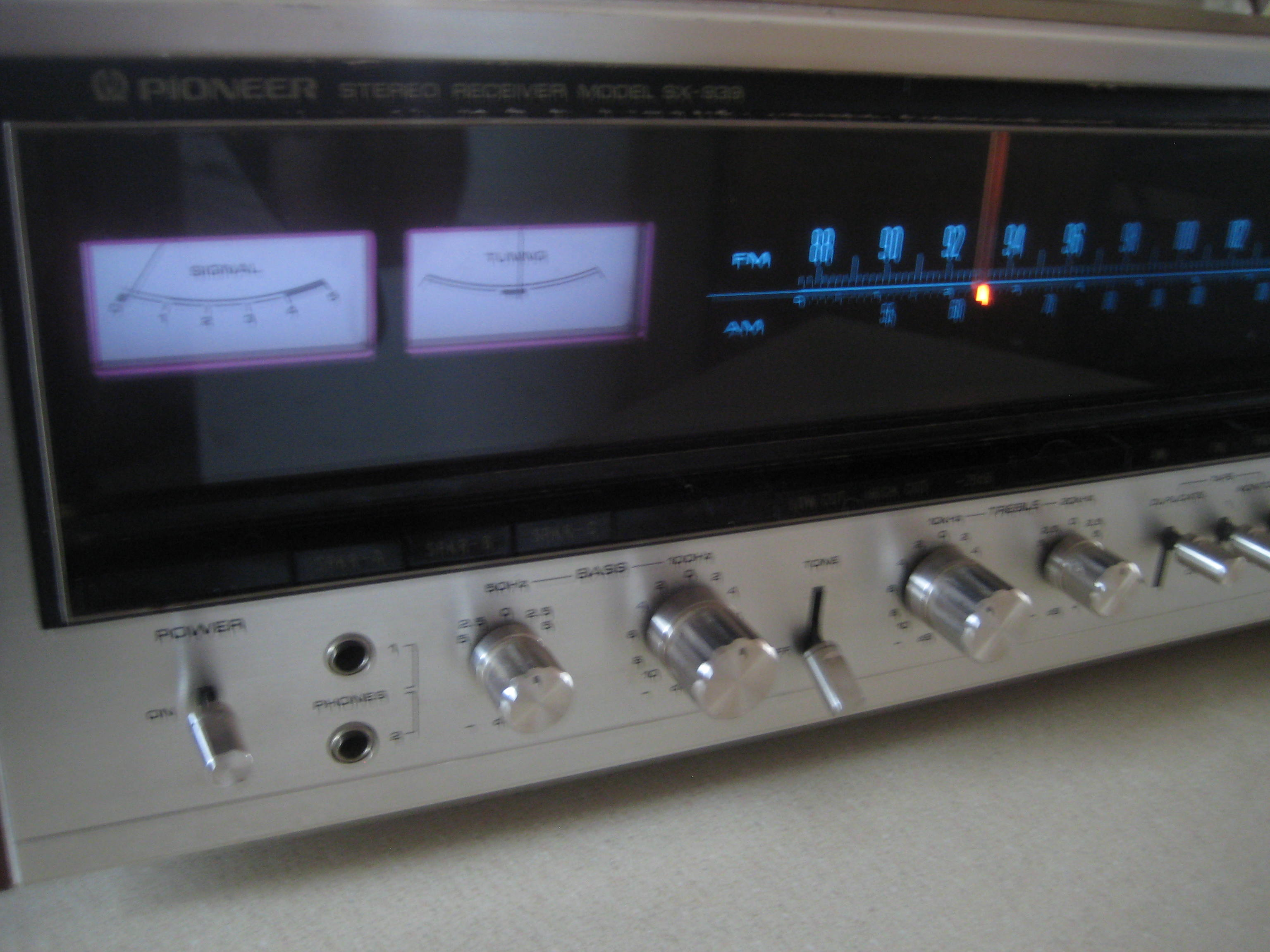 Nice vintage Pioneer SX 939 70w/ch receiver from 1975 — Polk