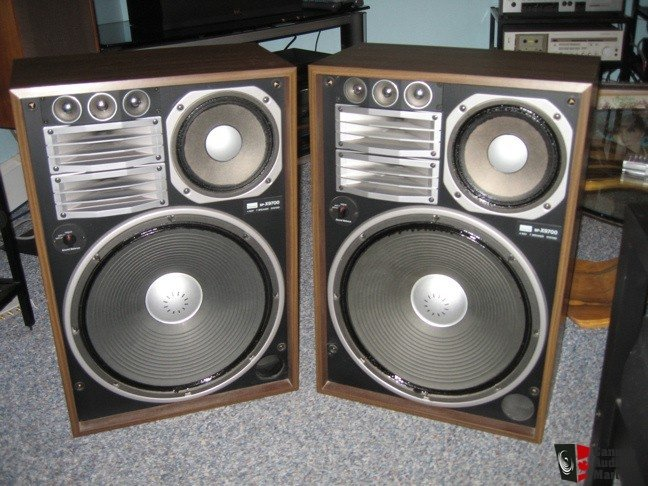 Speaking Of Vintage Japanese Massmarket Loudspeakers