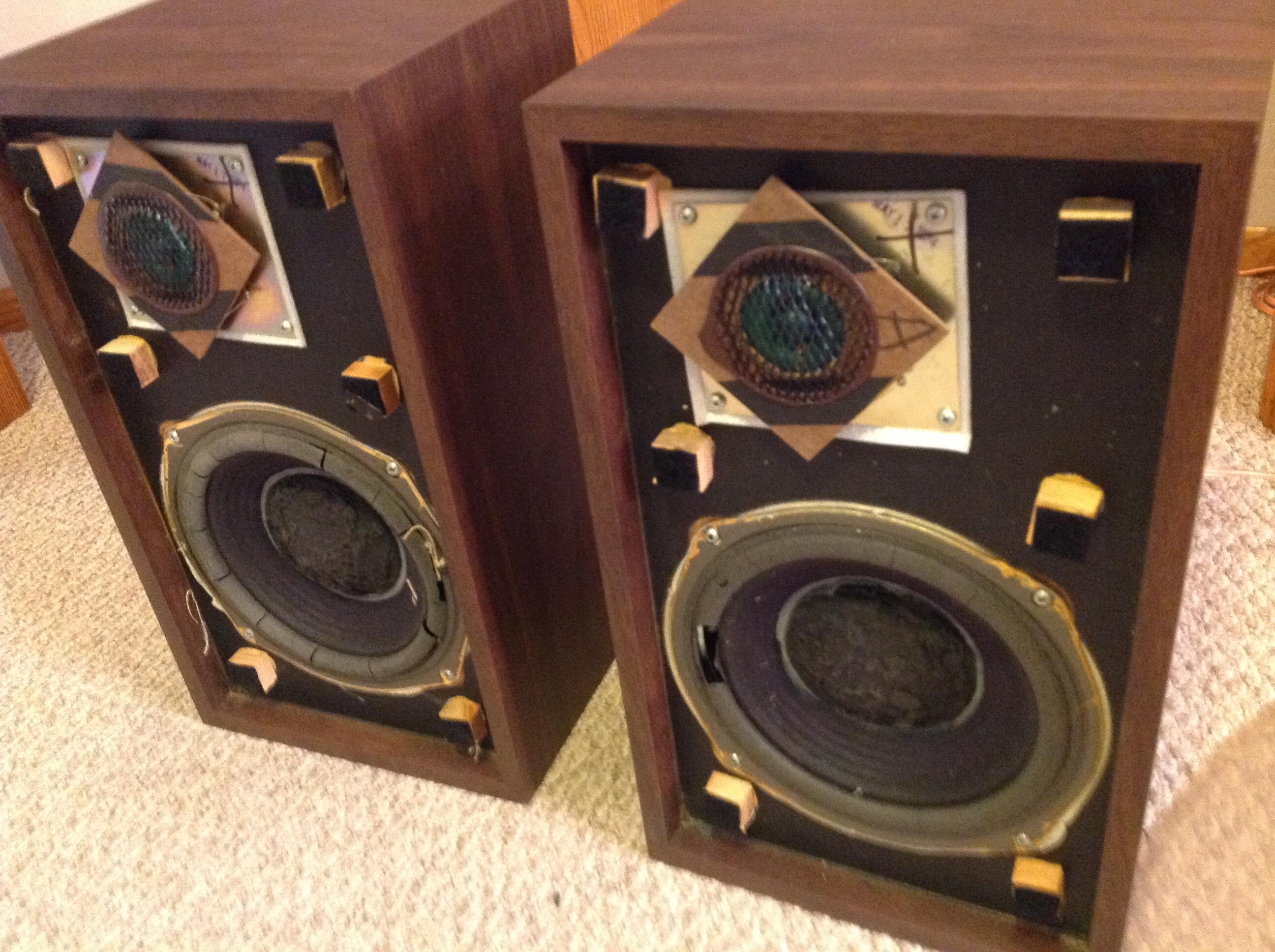 advent the smaller loudspeaker speakers polk audio. Black Bedroom Furniture Sets. Home Design Ideas