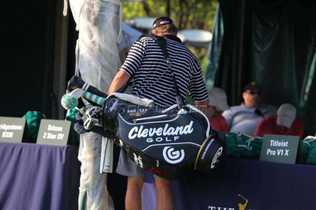 5079ad772c04 New Cleveland Staff bag — GolfWRX