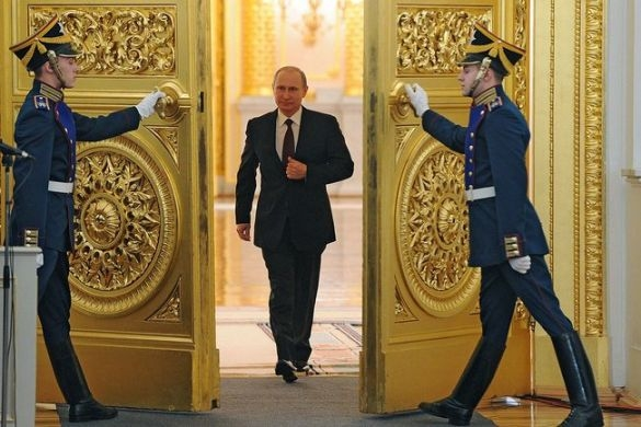 Putin surrounded by gold