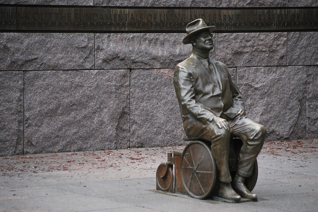 Statue of President Roosevelt in his wheelchair