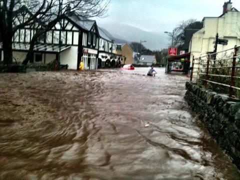 /members/images/217406/Gallery/Llanberis_flooding.jpg