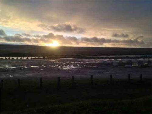 /members/images/645234/Gallery/chesil_beach_sunset.JPG