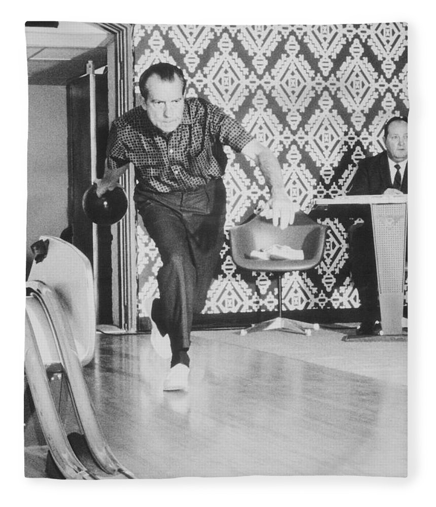president-richard-nixon-bowling-at-the-white-house-war-is-hell-store.jpg