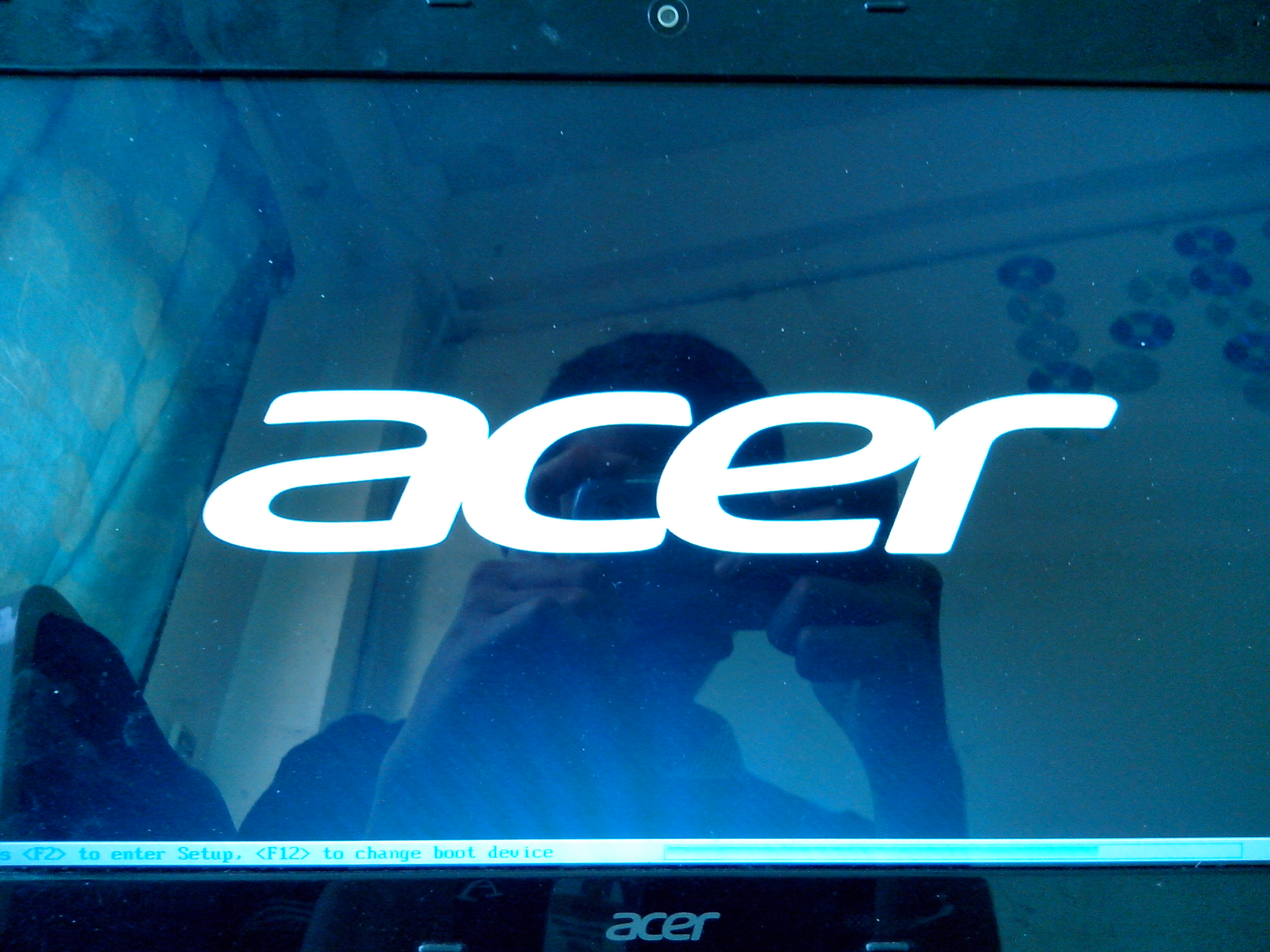 Acer 4752G: Boot screen hangs