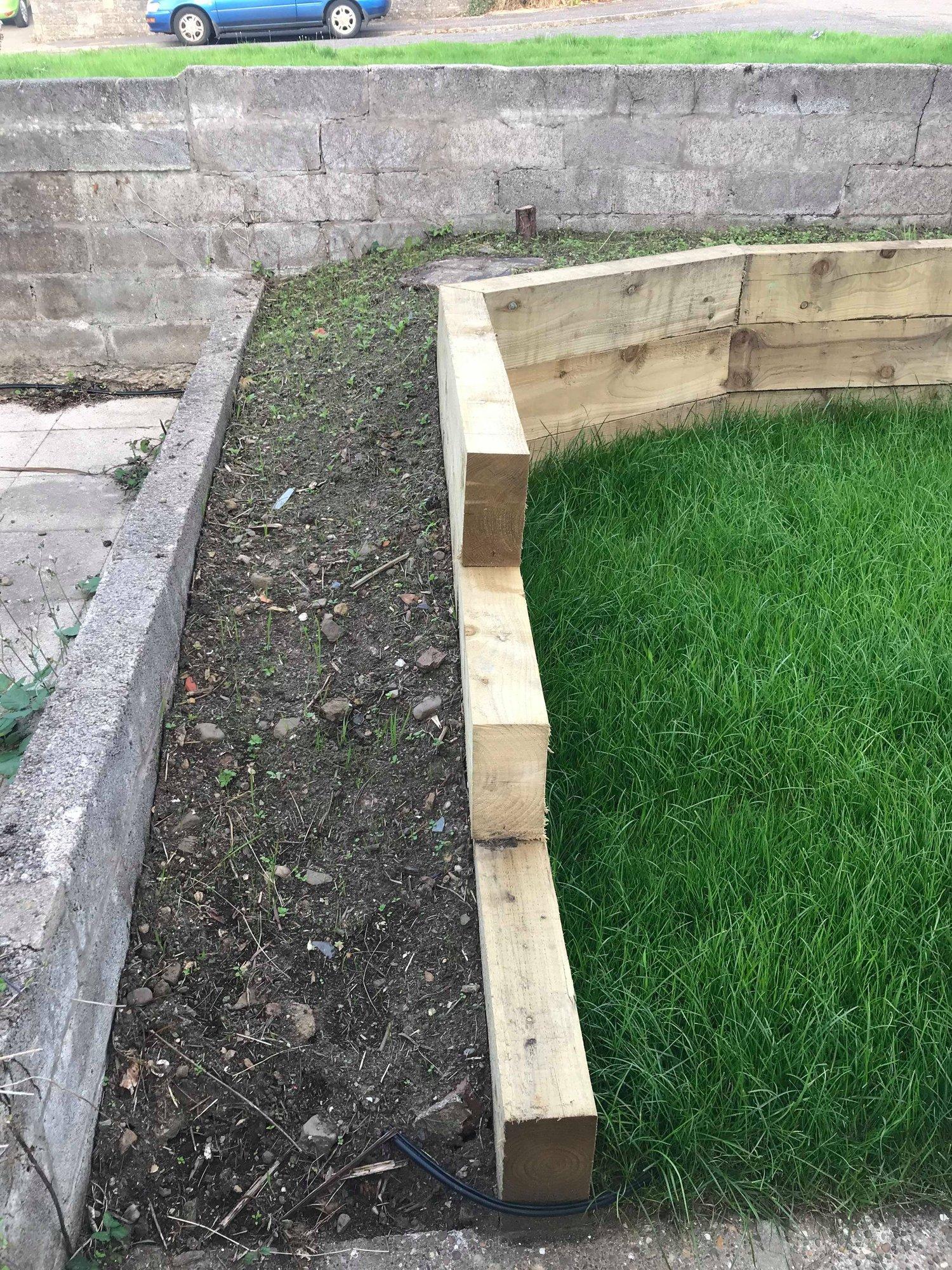 Front garden ideas with railway sleepers — BBC Gardeners ...