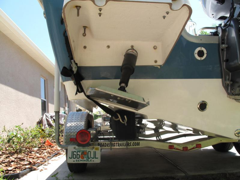 Advice for configuring transom trailer straps with trim tabs