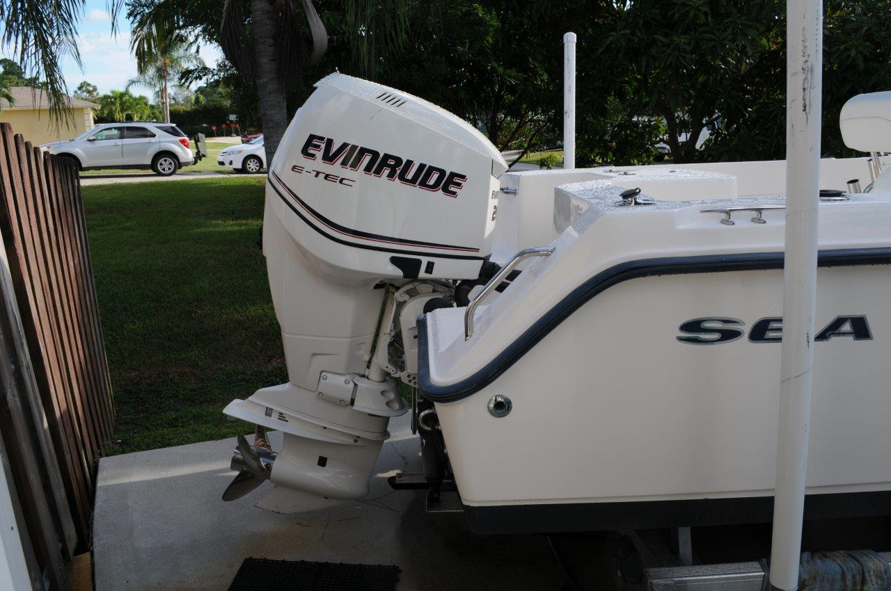2005 Sea Hunt Triton 220 - 21K — Florida Sportsman