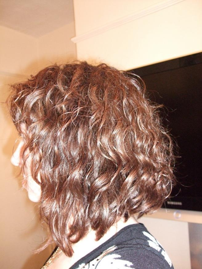 46 Wavy Long Angled Bob 19 Short To Medium Cuts For Curly And Hair 2018 Hairstyle Guru