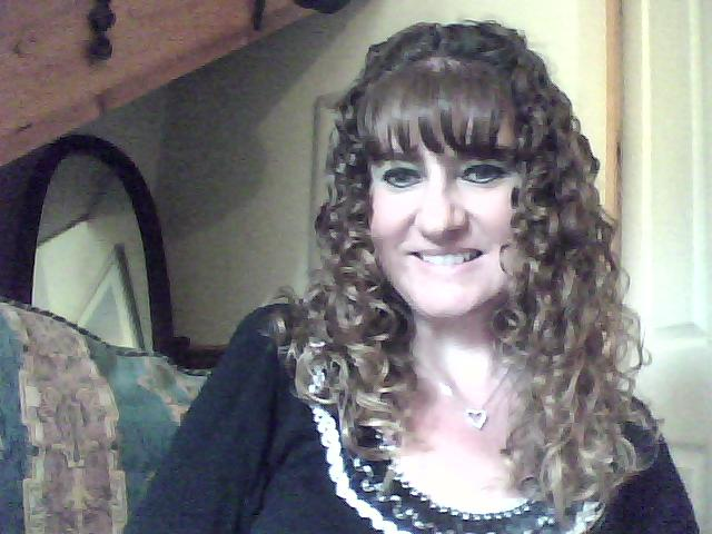 Curly Hair Styles With Bangs: Bangs With Curly Hair? Will It Suit Me?!