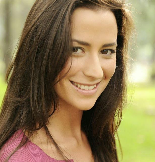 Carla  JVR