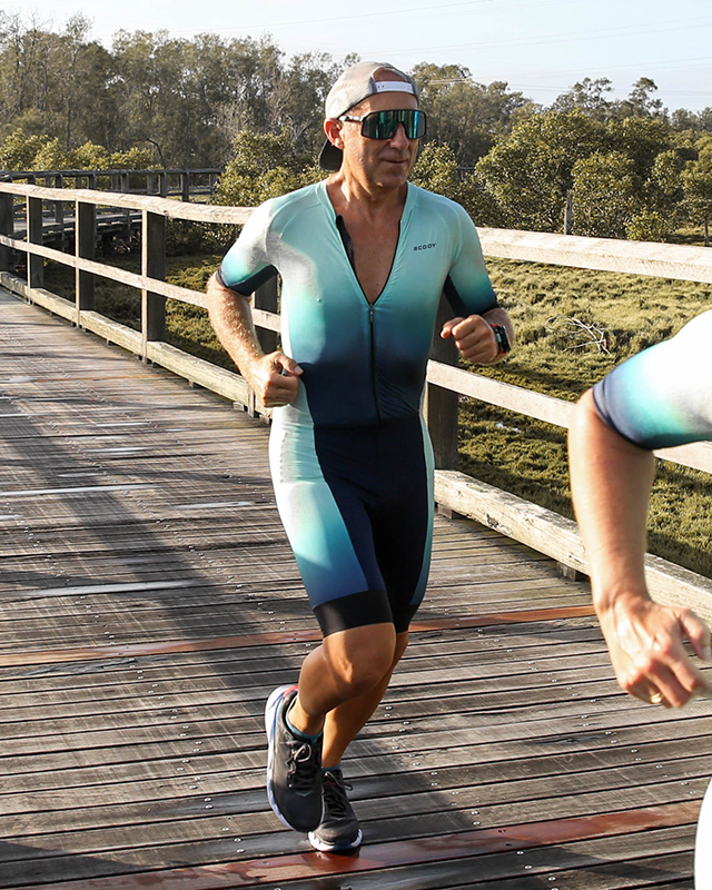 duck-optimise-aerodynamic-air-triathlon-suit-full-length-zip-men (1).jpg