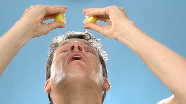 tosh_609_squeezing_lemons_640x360.jpg