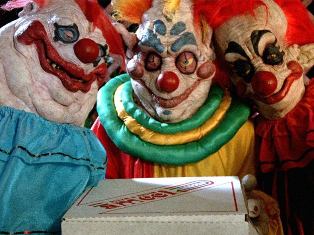 killer-klowns-from-outer-space-1988-klowns-cake.jpg