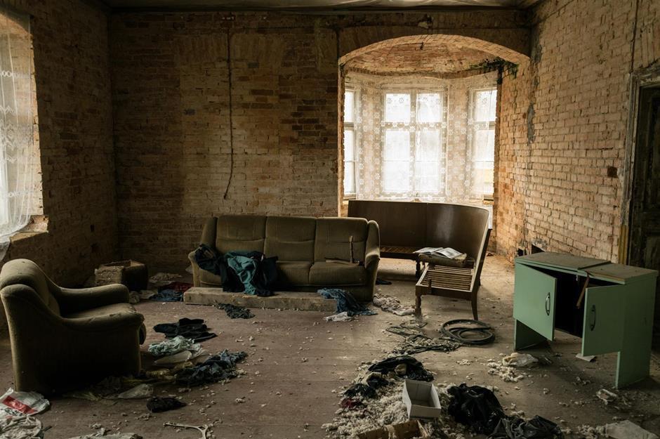 d2cb2eae-40ca-4c46-8ad7-f99afeefc53a-divers-place-abandoned-dream-homes-2.jpg