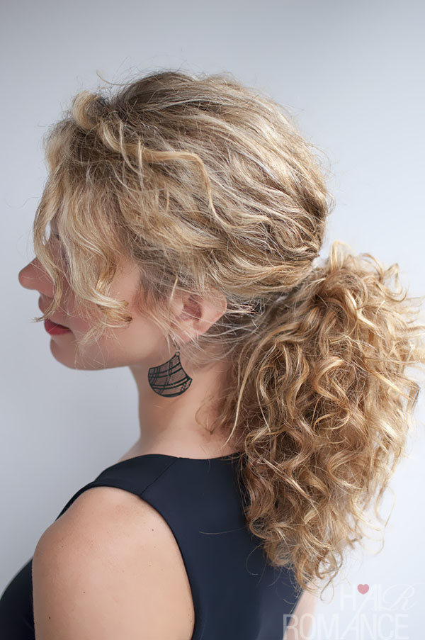 Hair-Romance-curly-hairstyle-tutorial-the-curly-ponytail.jpg