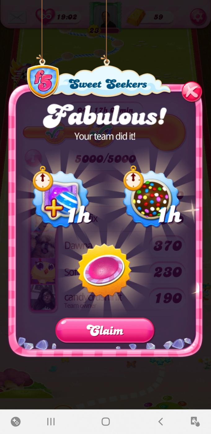 Screenshot_20200404-203708_Candy Crush Saga.jpg